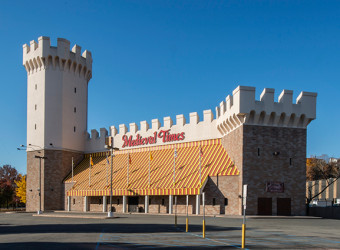 640px-natoli-nj-contractor-medieval-times-1