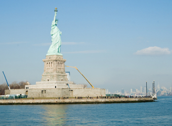 640px-statue-of-liberty-jnatoli-construction-nj-contractor-2